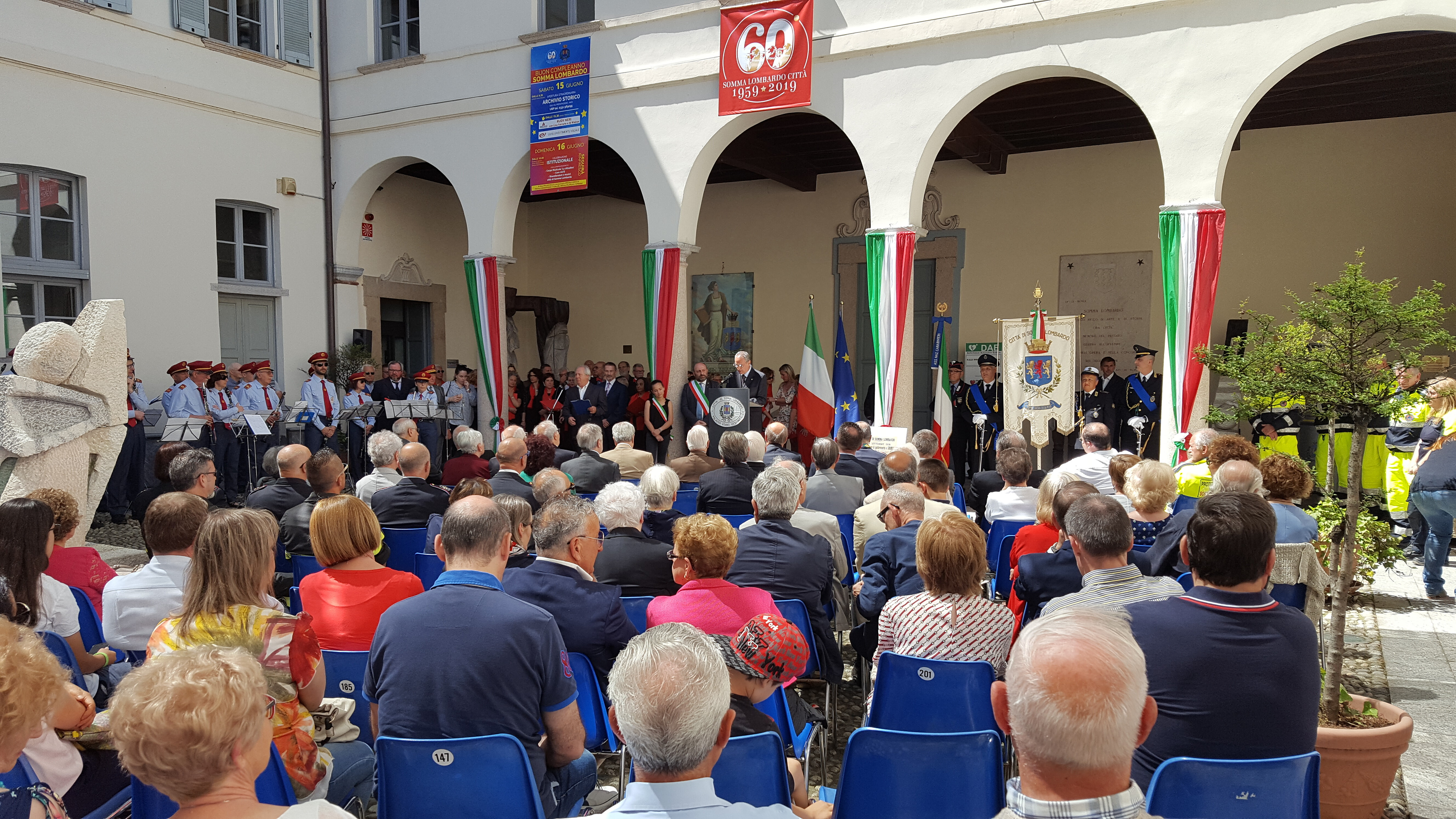 """""""Excelsum est aliis ministrari"""", il discorso del Sindaco per i 60 anni di Somma Lombardo città"""