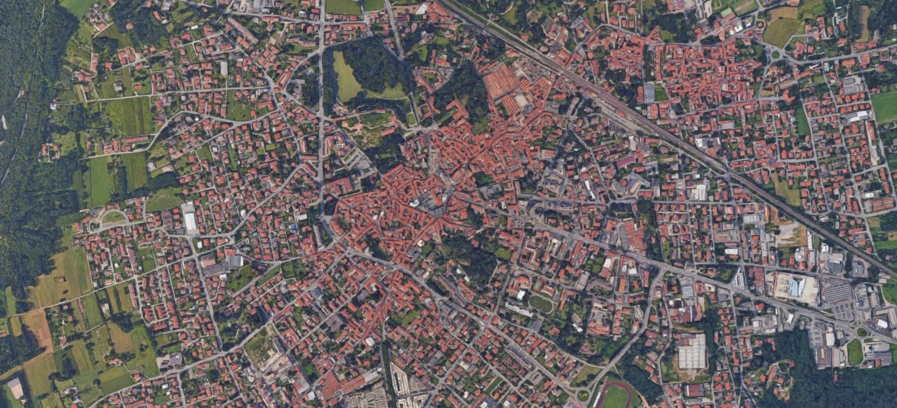 Immagine di Google Maps che mostra Somma Lombardo dall'alto