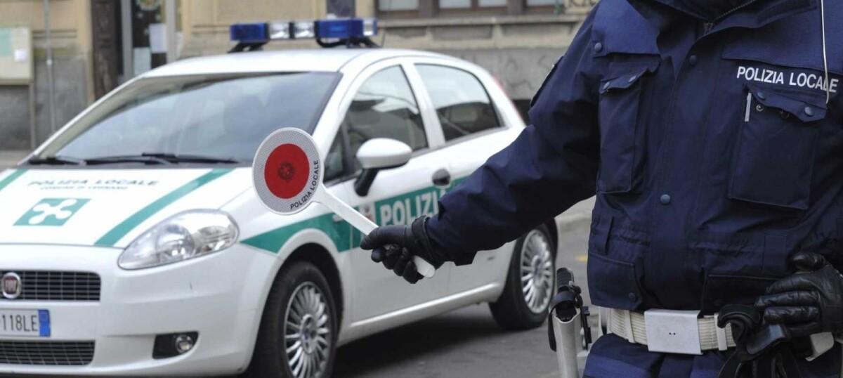 Immagine di un posto di blocco della Polizia Locale