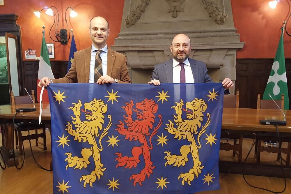 Dal prefetto ecco il decreto: Somma ha la sua bandiera ufficiale